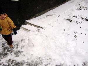 Day9am-snowplay4